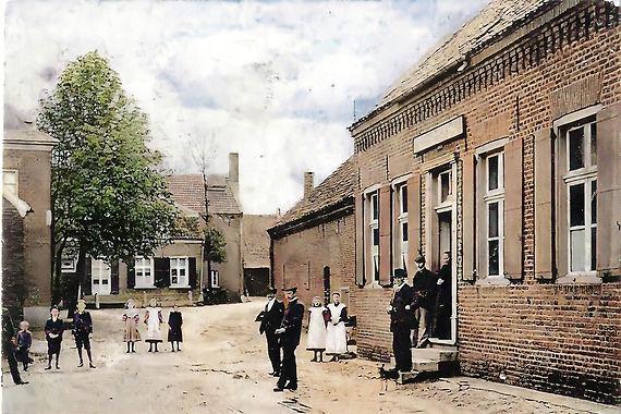 Groeten uit Broekhuizen-Colorized-Enhanced.jpg