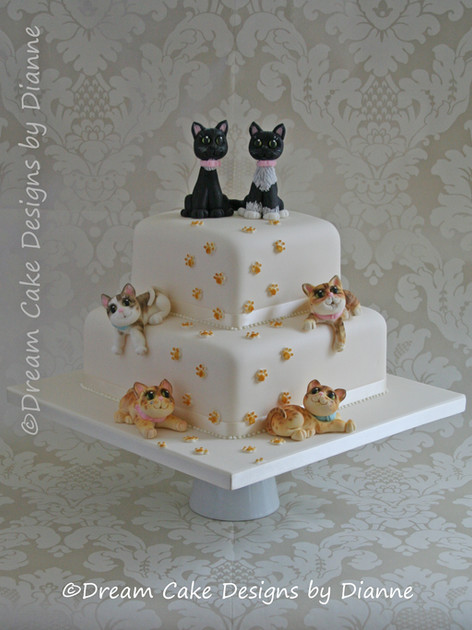 'JAY & EMMA' ~ beautifully bespoke wedding centrepiece featuring the couples 6 cats