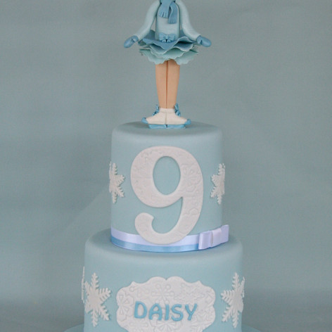 'DAISY' ~ PRETTY 2 TIER ICE SKATER CAKE