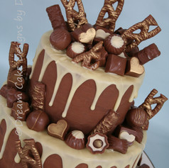 'DEON'~ CHOCOLATE DRIP CAKE ~