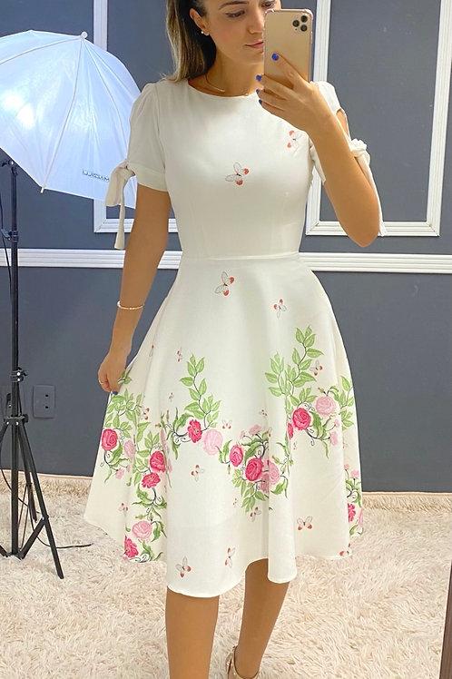 Vestido Camila flores rosas e borboletas.