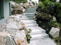 Naturstein Gartentreppe