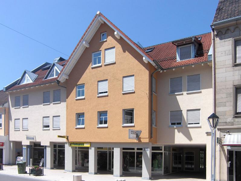 Modernisiertes Wohn- & Geschäftshaus