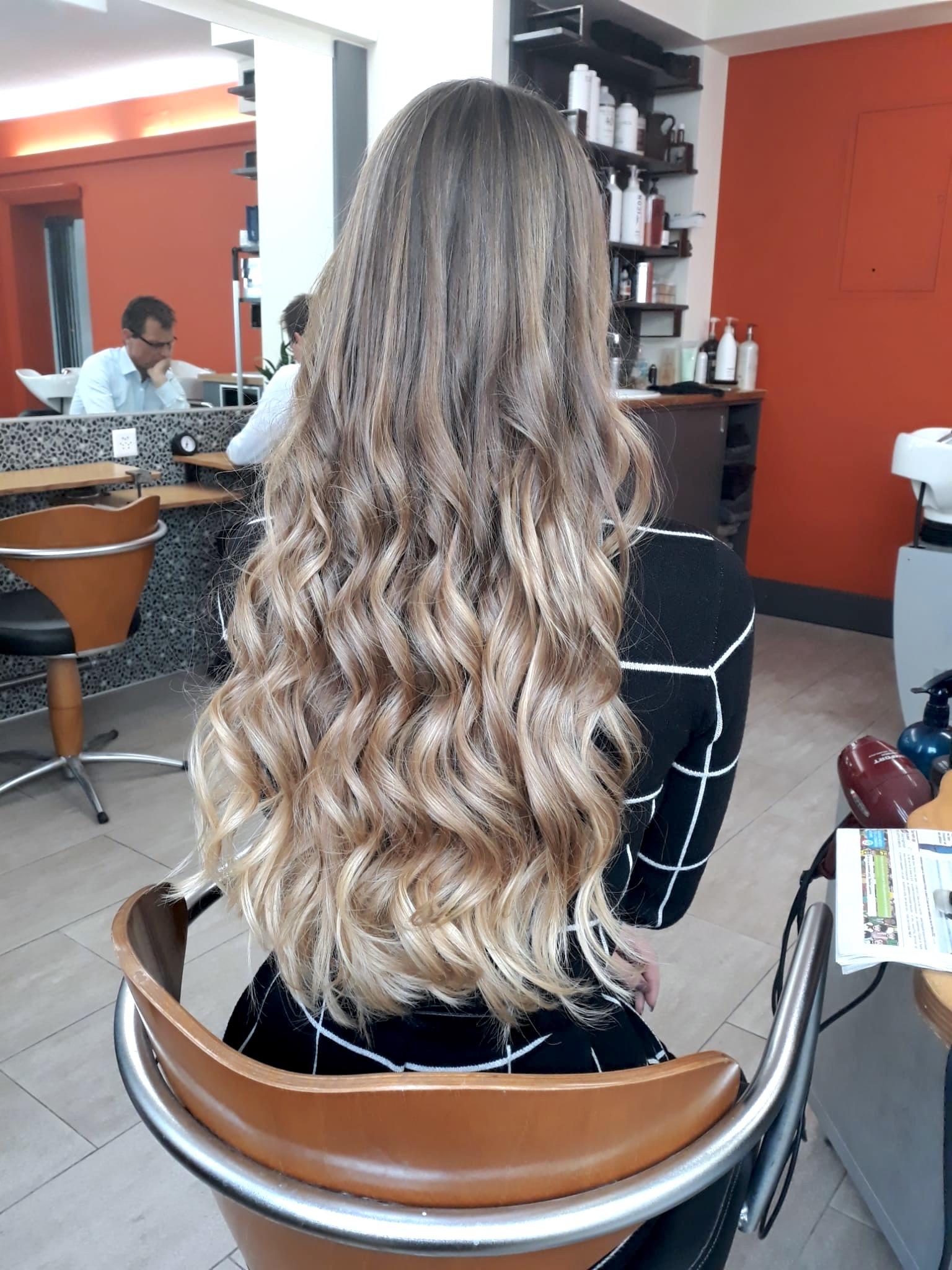 Femme cheveux longs 1a