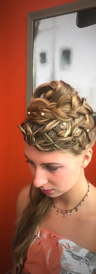 Femme coupe mariage 1a edit.jpg