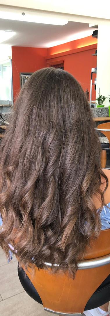 Femme cheveux longs 3a.jpg