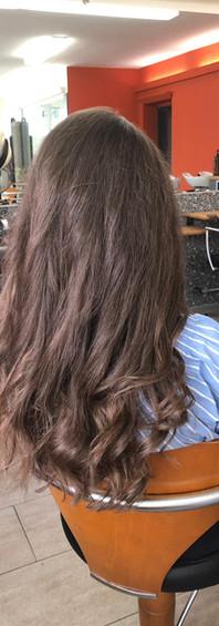 Femme cheveux longs 3b.jpg