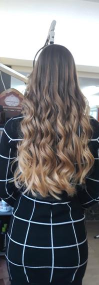 Femme cheveux longs 1e.JPG