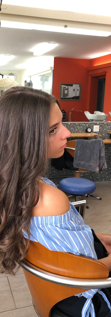 Femme cheveux longs 3c.jpg
