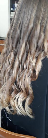 Femme cheveux longs 1d.JPG