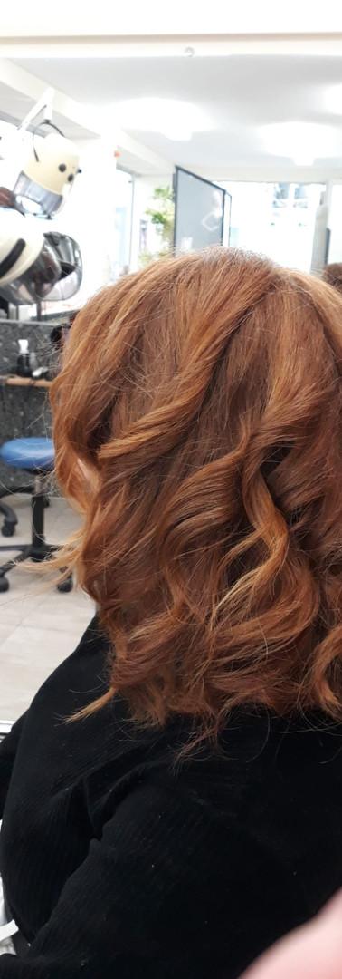 Femme_cheveux_roux 1b.JPG