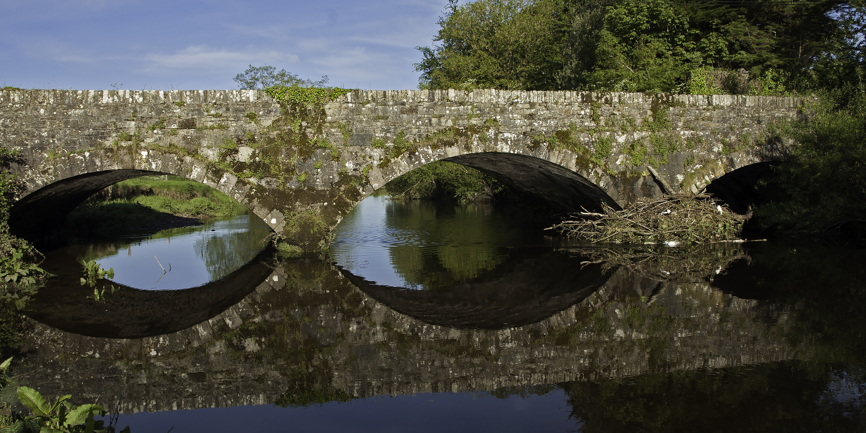 A Bridge over the River Nire