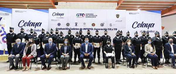 Graduación policías Celaya (10).jpg