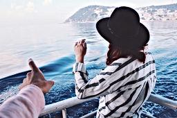 Femme en bateau