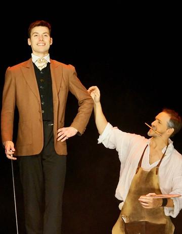 Dorian tient la pose Ben Dumas.jpeg