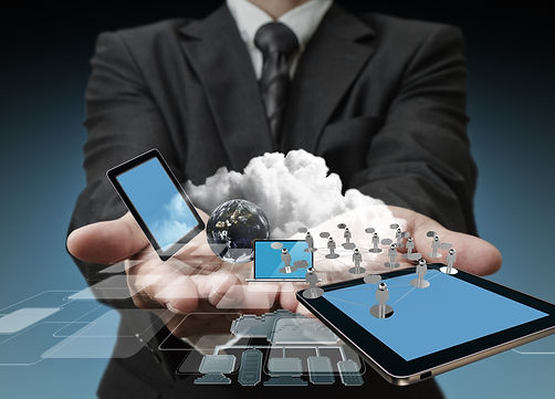 technology-in-the-hands-of-businessmen_z