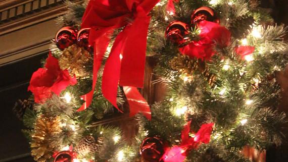 Shining Christmas Wreath