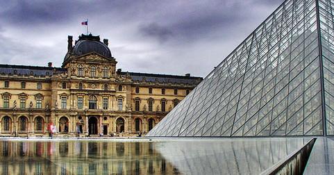 Le Carrousel du Louvre à Paris expose ''Mood #2''