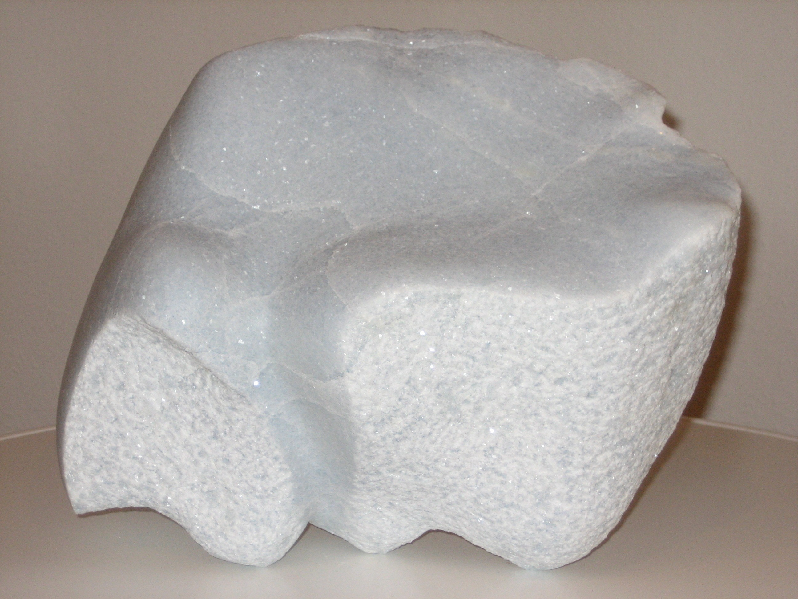 14 Marmor hellblau