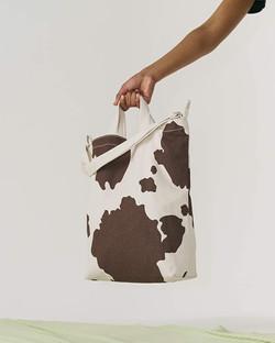 baggu cow print tote