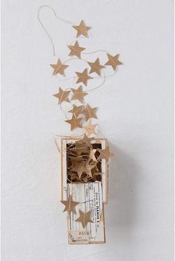 paper gold star garland