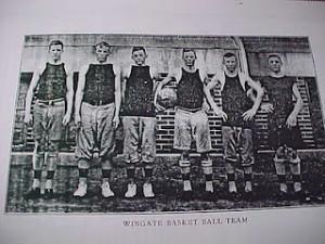 Bball-1910-11-some-long-pants-some-short-pants-long-socks-300x225