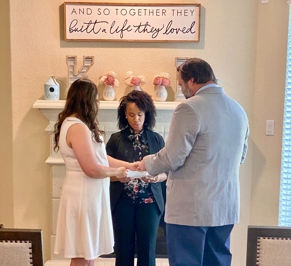 couple saying wedding vows