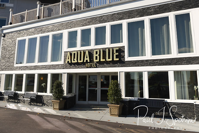 A look at the Aqua Blue Hotel in Narragansett, Rhode Island prior to Cara's November 2018 bridal prep session.