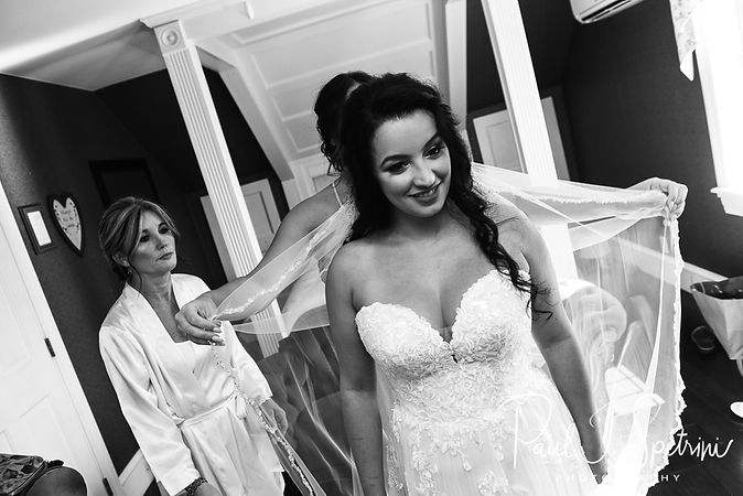 Five Bridge Inn Wedding Photography, Bridal Prep Photos
