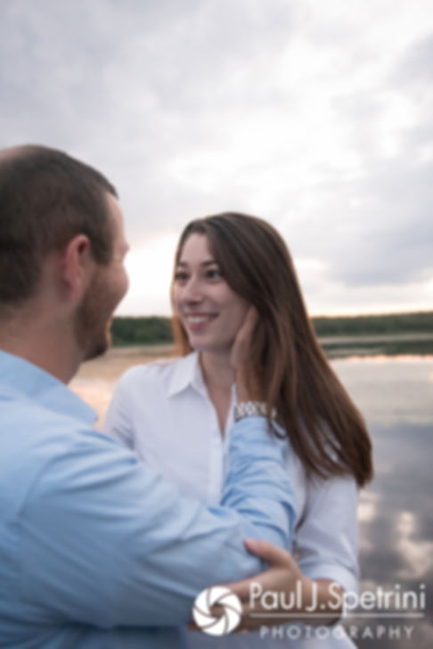 Jessica and Keiran kiss at Ryan Park in North Kingstown, Rhode Island during their August 2017 engagement session.