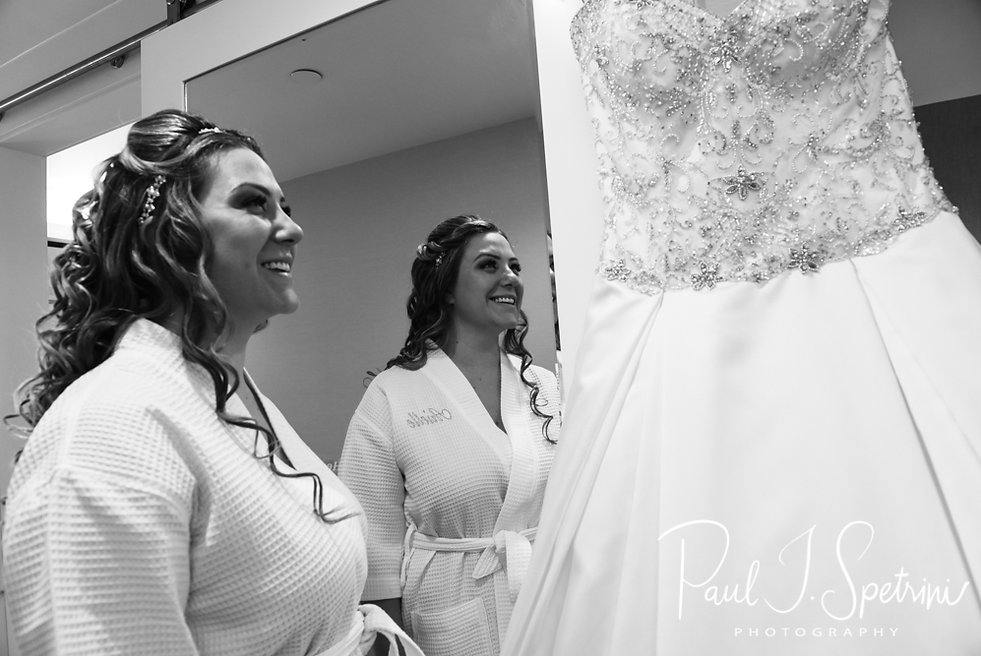 Rhode Island wedding photos- bridal prep