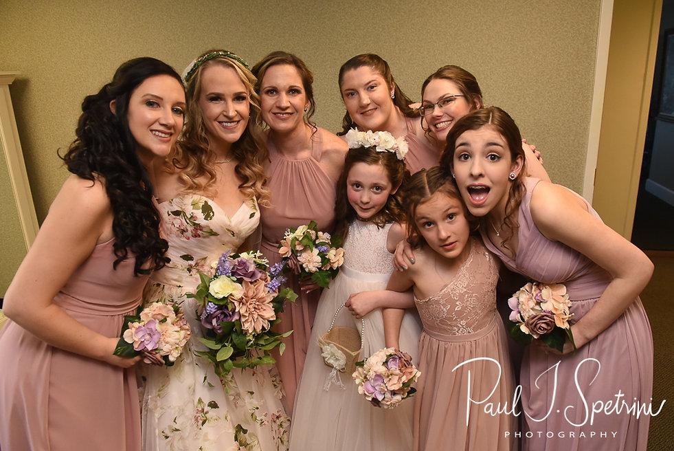 Valley Country Club bridal prep photos