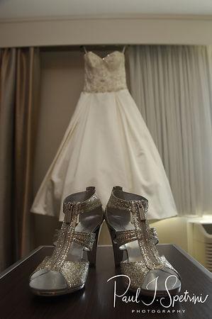 Rhode Island wedding photos-wedding dres