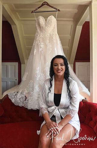 Five Bridge Inn Wedding Photography, Bridal Prep Photos