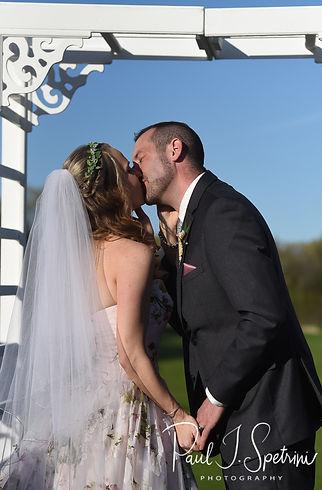 Valley Country Club wedding ceremony pho