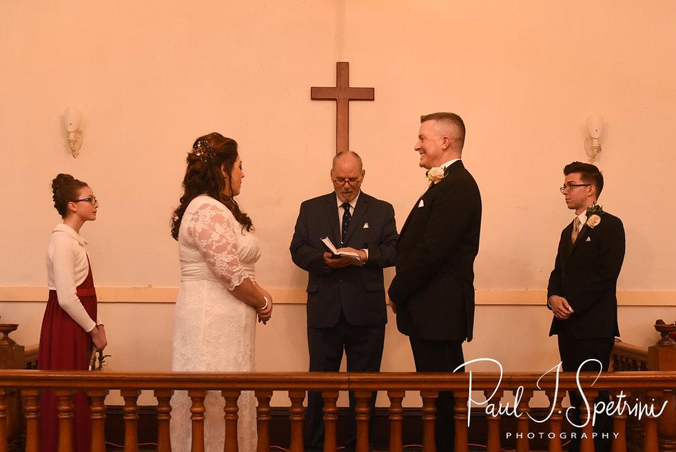 Acoaxet Chapel wedding ceremony photos