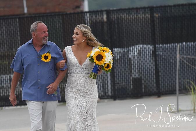 The Rotunda at Easton's Beach Newport Wedding Photography, Wedding Ceremony Photos
