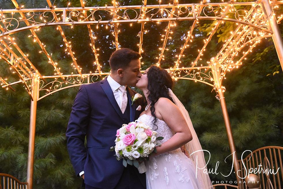 Five Bridge Inn Wedding Photography, Bride and Groom Formal Photos