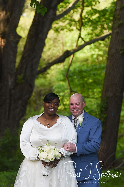 The Gardens at Elm Bank bride and groom