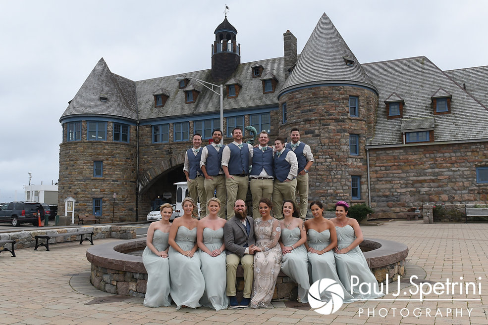 Arielle and Gary pose for a photo with the members of their wedding party prior to their September 2017 wedding ceremony at North Beach Club House in Narragansett, Rhode Island.