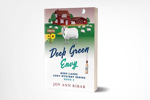 Deep Green Envy (Deep Lakes Cozy Mystery Series 3)  [paperback]