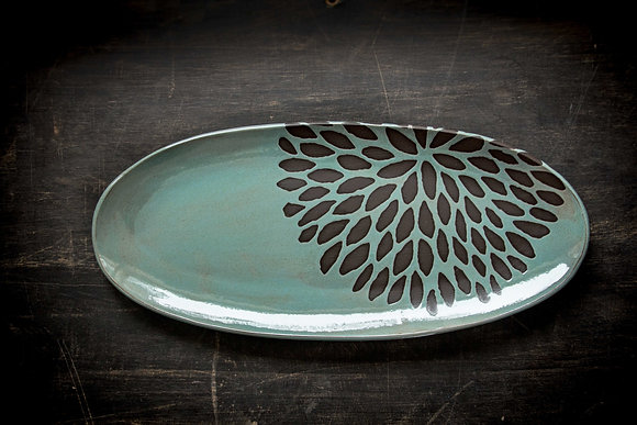 """XL 19"""" Oval Tray, Chrysanthemum, Speckled Turquoise"""