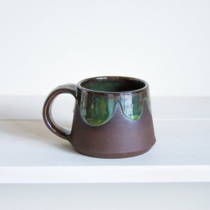 Short Scalloped Mug, 8oz, Swirly Green Glaze