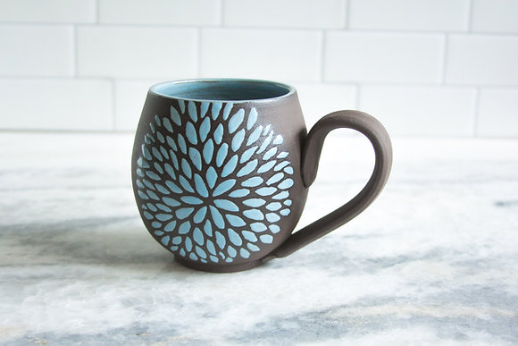 14oz Chrysanthemum Mug, Light Blue