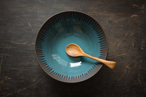 XL Serving Bowl, Daisy, Teal Blue