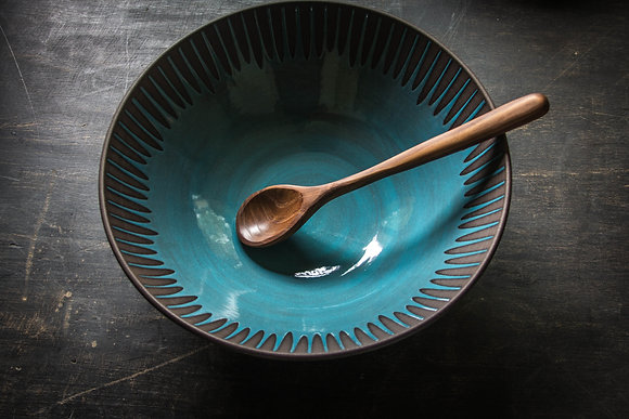 Large Serving Bowl, Daisy, Teal Blue