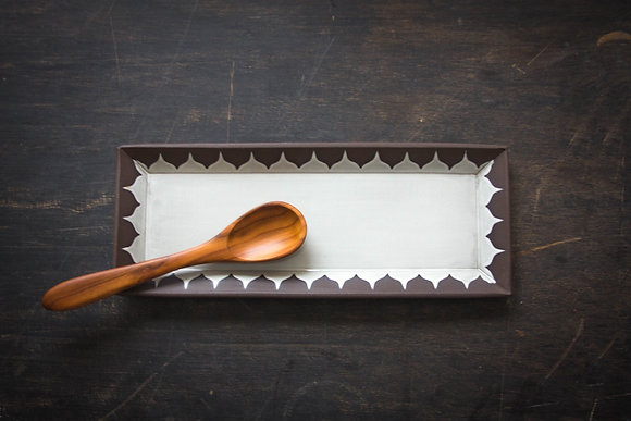 Lg Serving Tray, Moroccan Pattern, Antique White