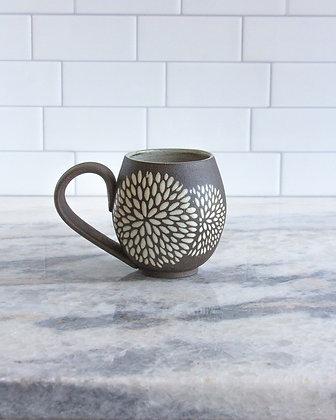 14oz Chrysanthemum Mug, Antique White