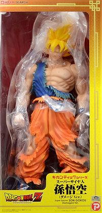 Gigantic Series Super Saiyan Son Goku (Damage Ver.) (PVC Figure)