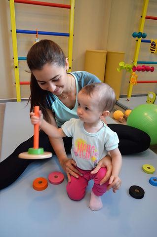 rehabilitacja niemowląt krosno, fizjoterapia dzieci, bobath